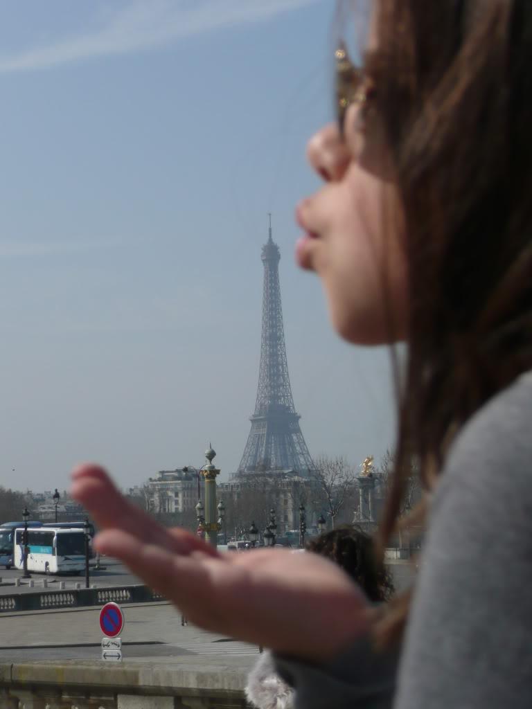 [ HUMOR ] Oh... La, La .....Paris...... DISNEYLANDPARISFOTOS384