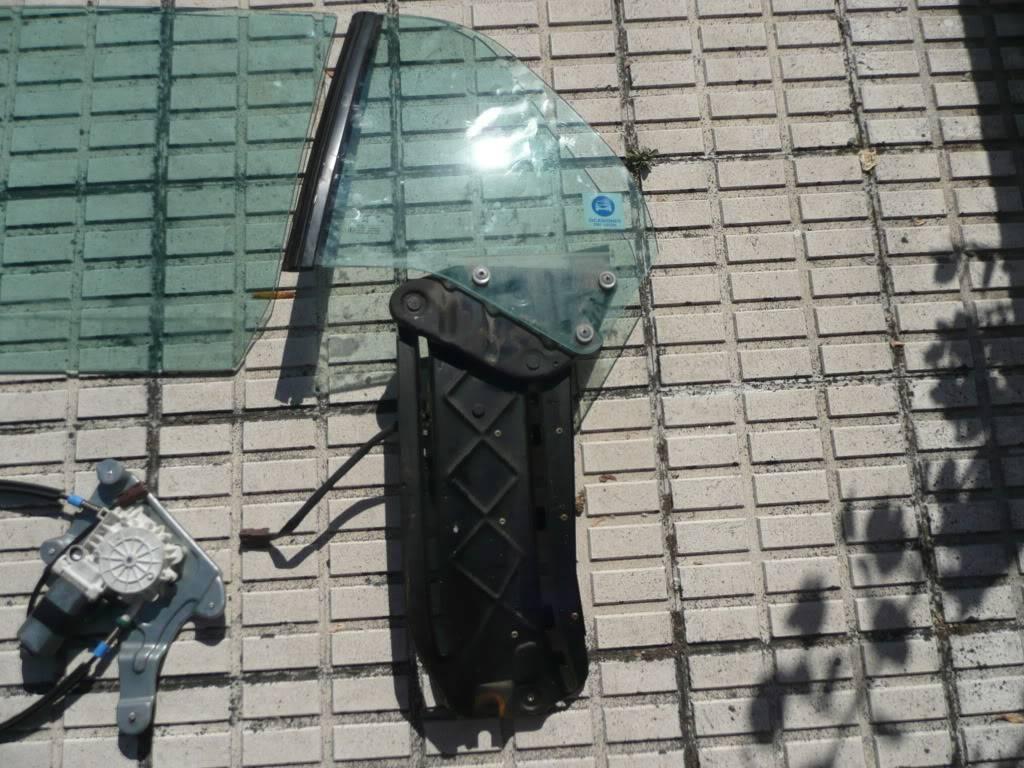 [ SE VENDE ] Juego completo de ventanillas y cristales fase 2 y 3 P1050264
