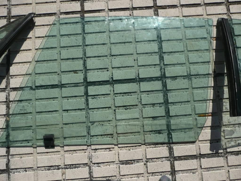 [ SE VENDE ] Juego completo de ventanillas y cristales fase 2 y 3 P1050265