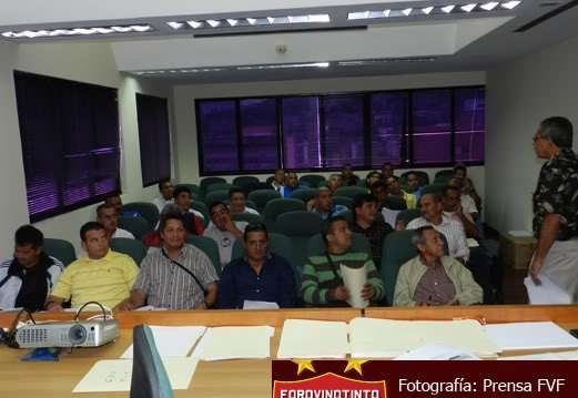 Arbitraje Venezolano - Página 9 ReuninComisindeArbitros27-04-11002