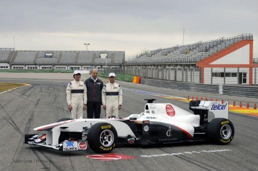 El espacio de la  Fórmula 1 - Página 9 Sauber_c30_launch_vale_2011_jl-93