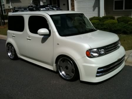 Can some one put these wheels on my car please!! 5254380660_ef33465375_b1-1
