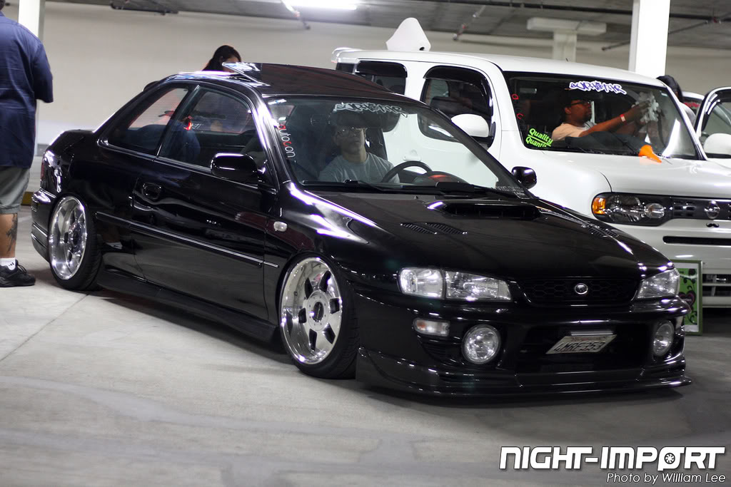 Can some one put these wheels on my car please!! 5254380660_ef33465375_b1
