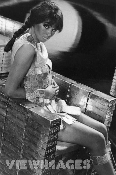 00 - Casino Royale - 1967 CarolineMunro-PublicityforCasinoRoyale