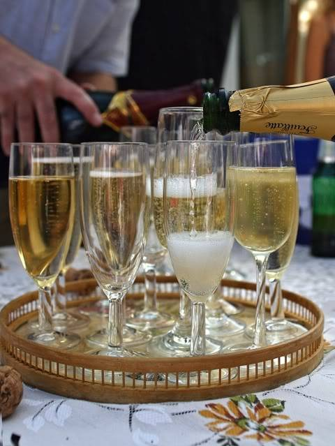 Žurka za Goste - Page 2 S_champagne