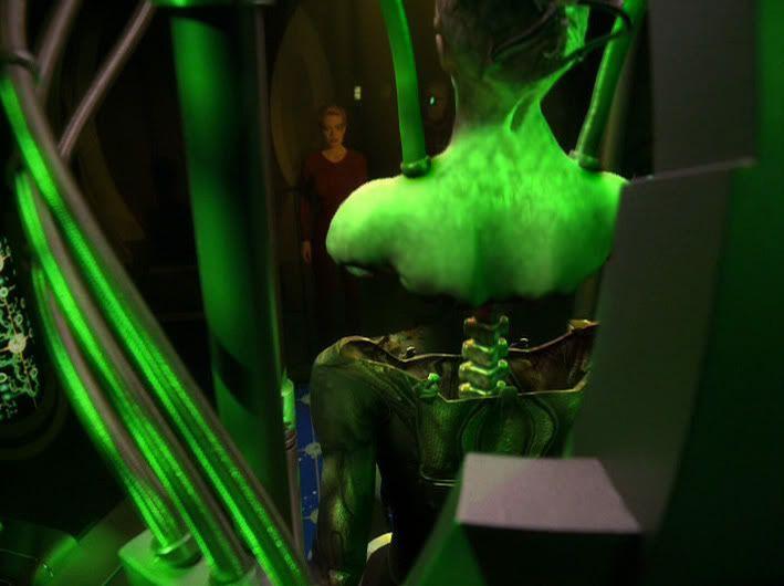 Buste Queen borg - mise à jour avril 2011 - Page 2 Dark_frontier_392