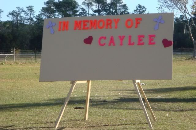 Caylee's Memorial Site/Fox Bloggers Cayleememoryboard1