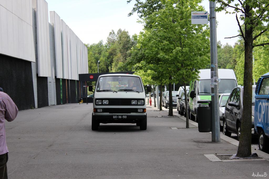 Exposição Clássicos Volkswagen | 1 a 10 maio'15 | C.C. Mira-Maia IMG_10102_zpsrphexads
