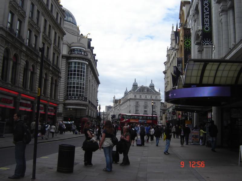 Vamos ali votar e voltamos já!! (Espanha, França e Londres - 2011) DSC07332