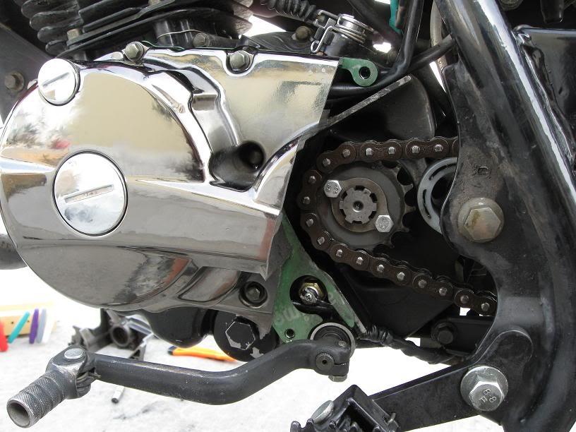 Тюнинг левой крышки картера на Zongshen LZX 200 S  CoverModcloseup