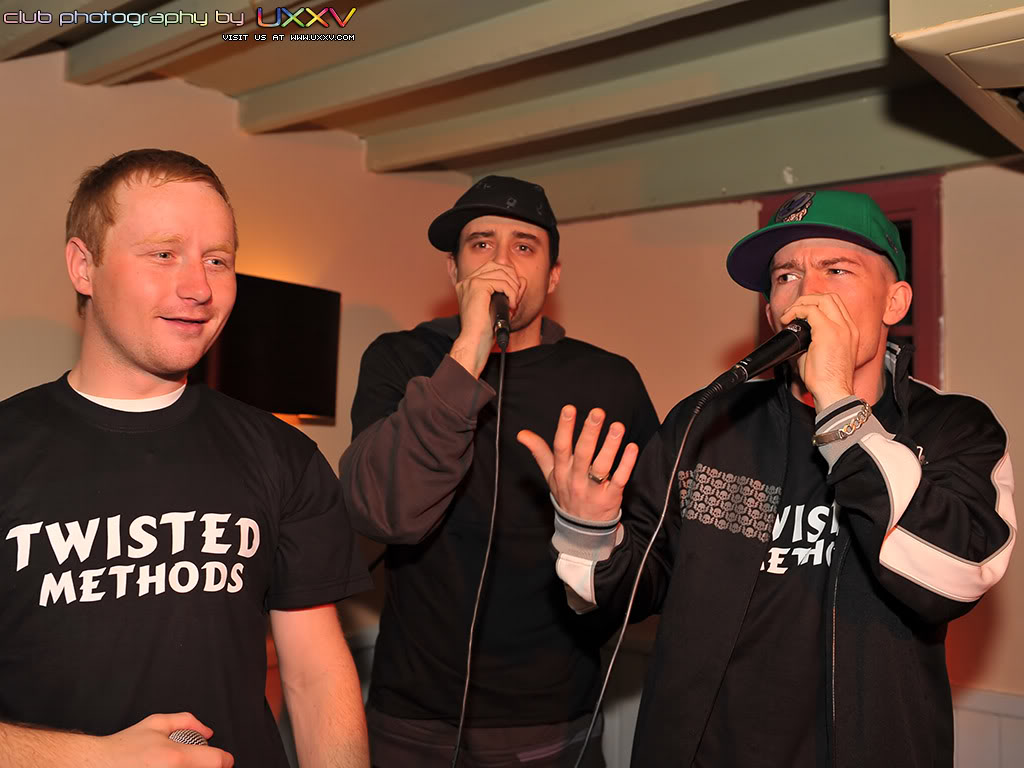 PREVIEW OF MCF GIG PICS MCFPromoNight-May2009-PhotosbyUX-2