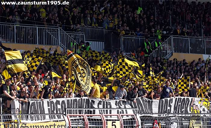 European ultras - Pagina 2 1-FSV-Mainz-05-1-0-Borussia-Dort-1