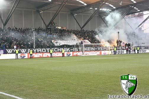 European ultras - Pagina 2 2010_03_14_Rapid_Austria_39