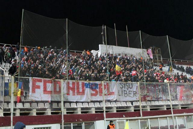 Dinamo Bucuresti - Pagina 2 Rapid-dinamo-ultras-15_zpsacafe1bb