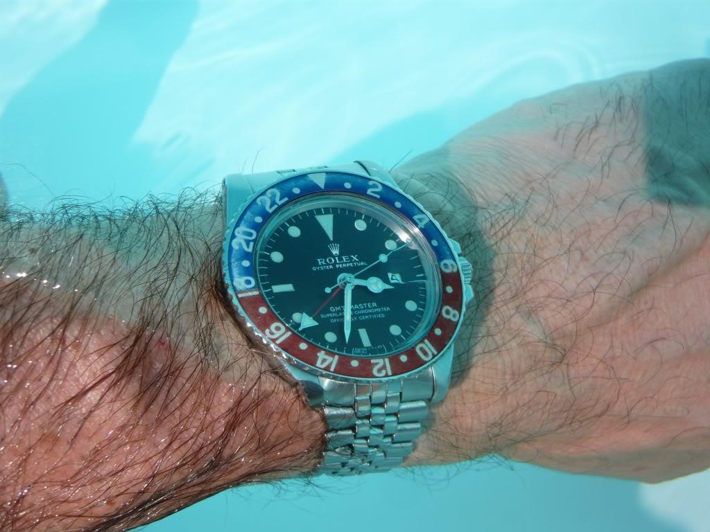 Ma montre s'est transformée en aquarium :'-( - Page 2 1675piscine
