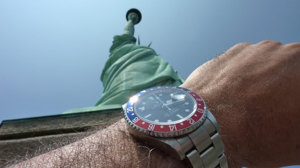 Wristshot de vos belles devant des monuments emblématiques - Page 2 GMTNY6