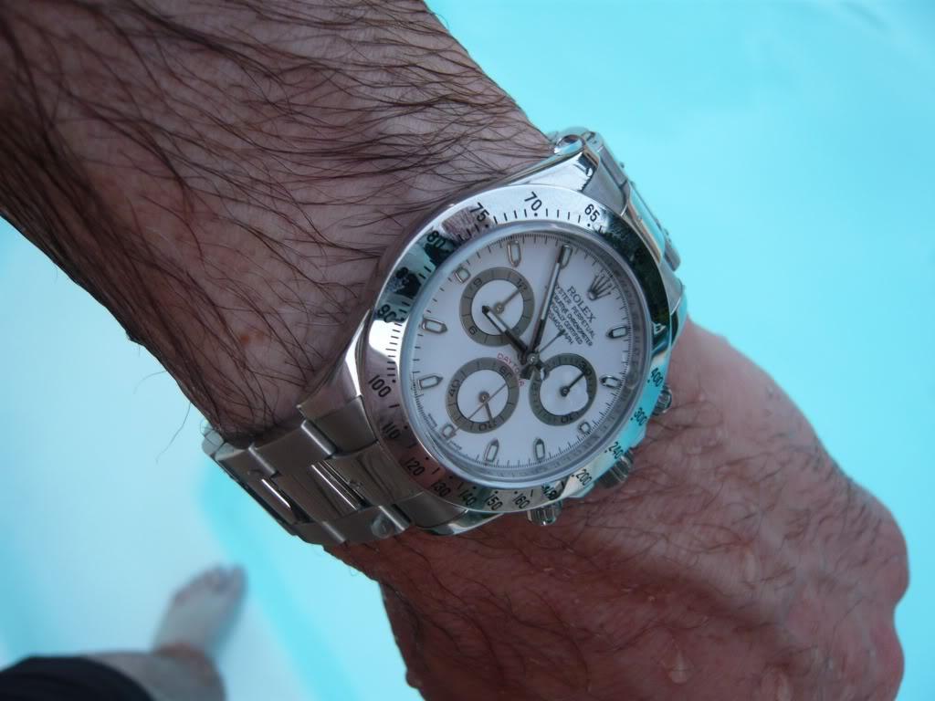 Quelle montre portez-vous à la piscine ? Daytopiscine3