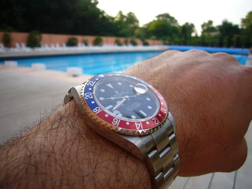 Quelle montre portez-vous à la piscine ? Gmtpalmeraie