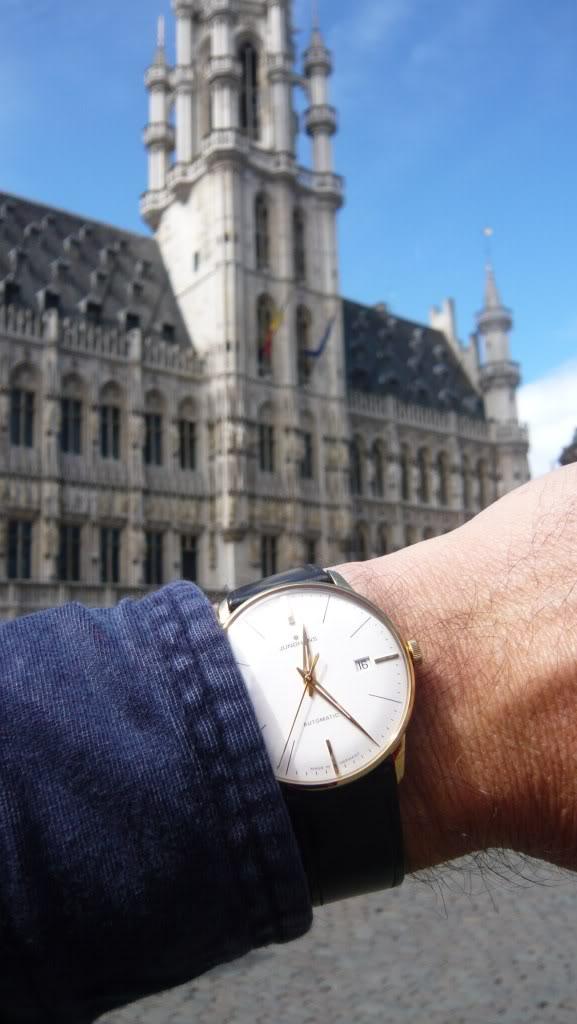 Wristshot de vos belles devant des monuments emblématiques - Page 2 Junghansbrux4