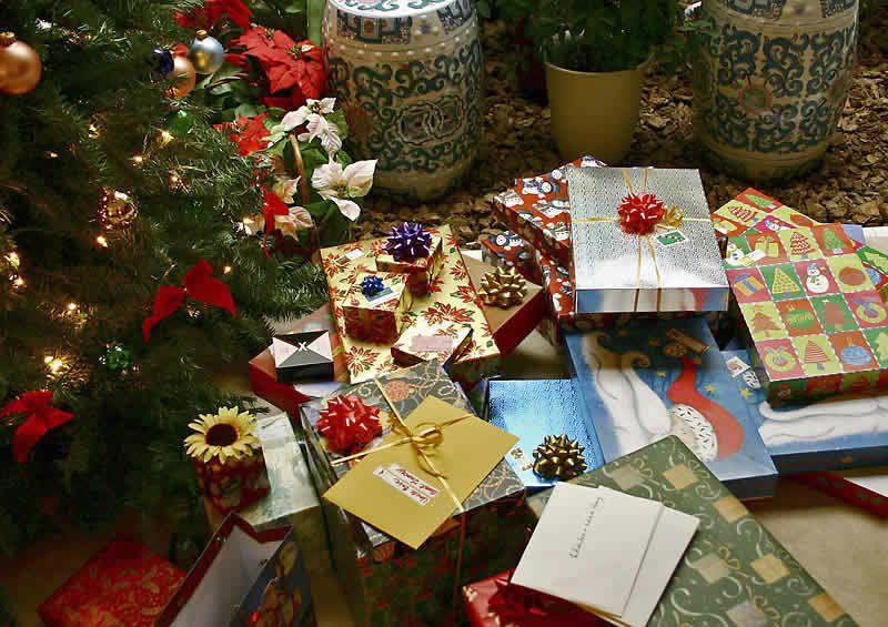 Merry Christmas ! Christmas-gifts3