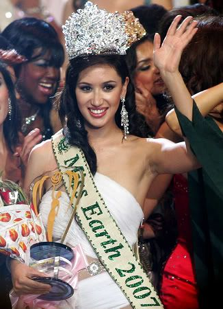 Miss Earth titleholder for the 1st decade... Slideshow_259082_173340_PHILIPPINES