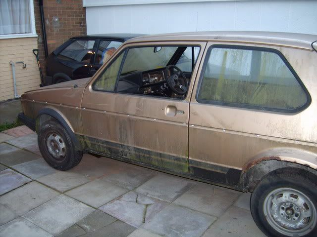 NEW PROJECT - mk1 Golf Driver Gold2ndOct011