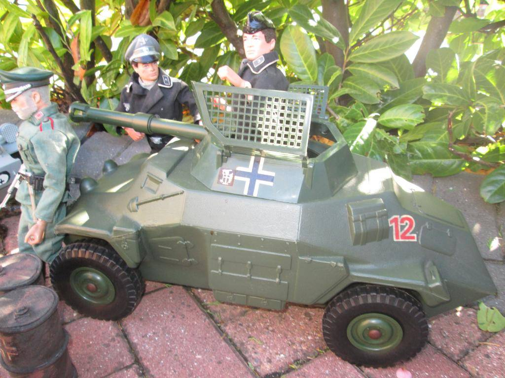 Germans out and about IMG_0885_zps2cf3856a