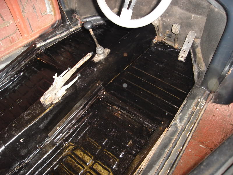 'Beryl' The 1957 RHD Ragtop Oval with suicide doors! - Page 4 HugoandBeryl176