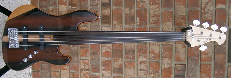 Mostre o mais belo Jazz Bass que você já viu - Página 10 LEJ5FretlessExoticFullfrontCIMG7402