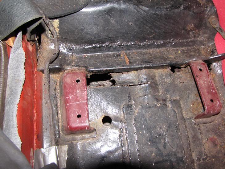 Datsun 240z Pohja2