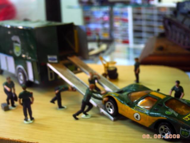 1a Exposição e fundação da Associação Gaúcha de Colecionadores de Veículos em Miniatura 100-0026