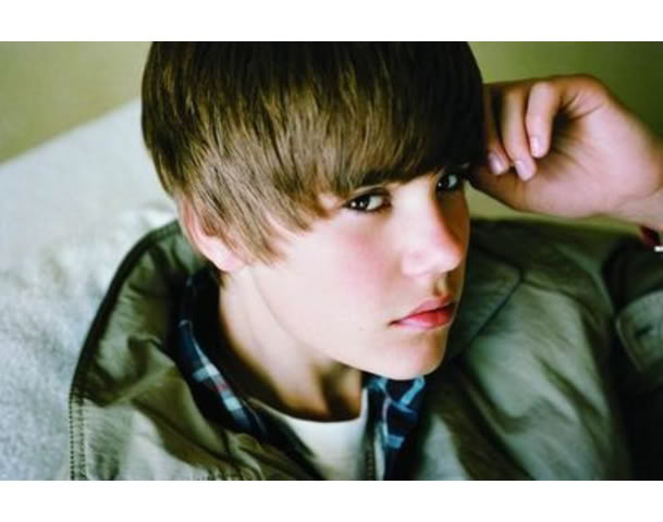 Justin Bieber 60845337-justin-bieber
