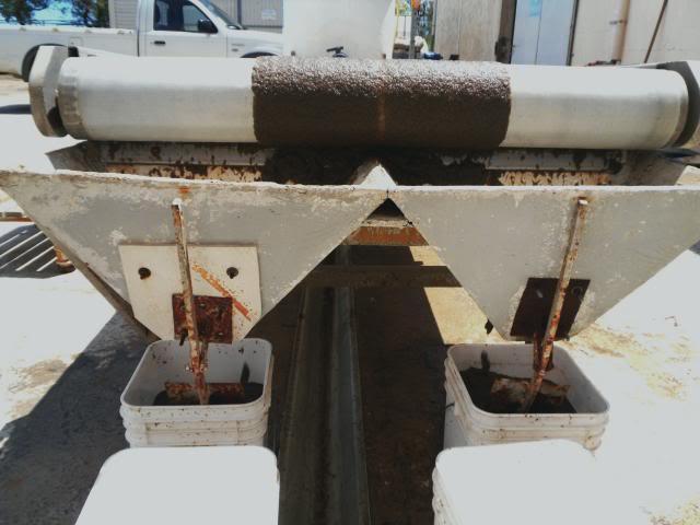 Camargue pêche - Spécialiste de la nourriture vivante pour poissons Tamisagedesarteacutemias1