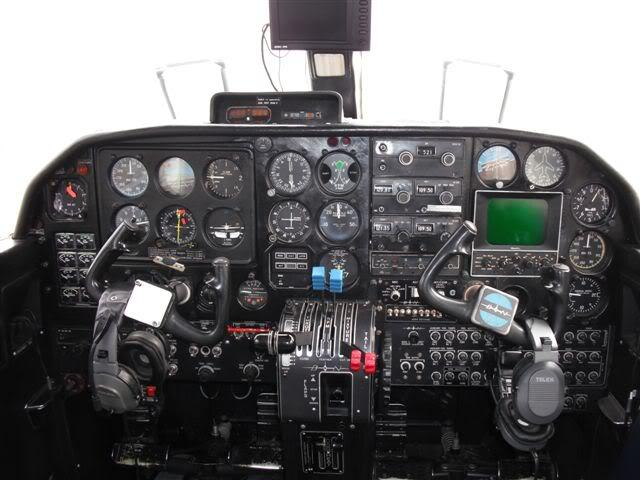 BN-2 Islander YR-BNK - Pagina 3 DSCF0299r