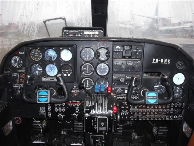 BN-2 Islander YR-BNK - Pagina 3 DSCF0445bnk-r