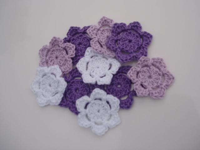 Crocheted Flowers Feb2011005