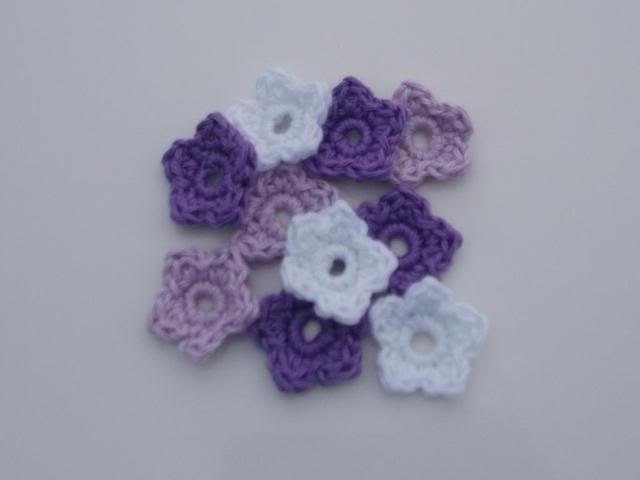 Crocheted Flowers Feb2011007