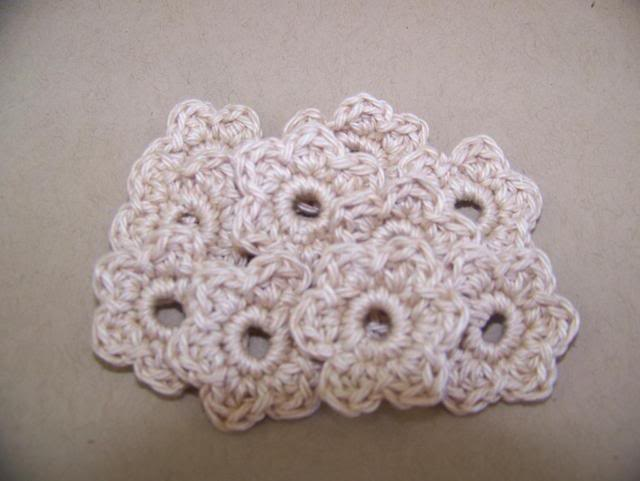 Itty Bitties and Hearts NovCrochet001