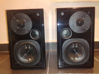 Usher S-520 speakers (Used)Sold 20090816313