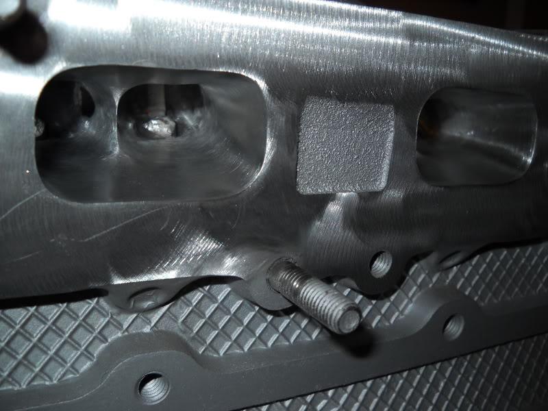 Ported & Polished SRT4 head DSCN0081