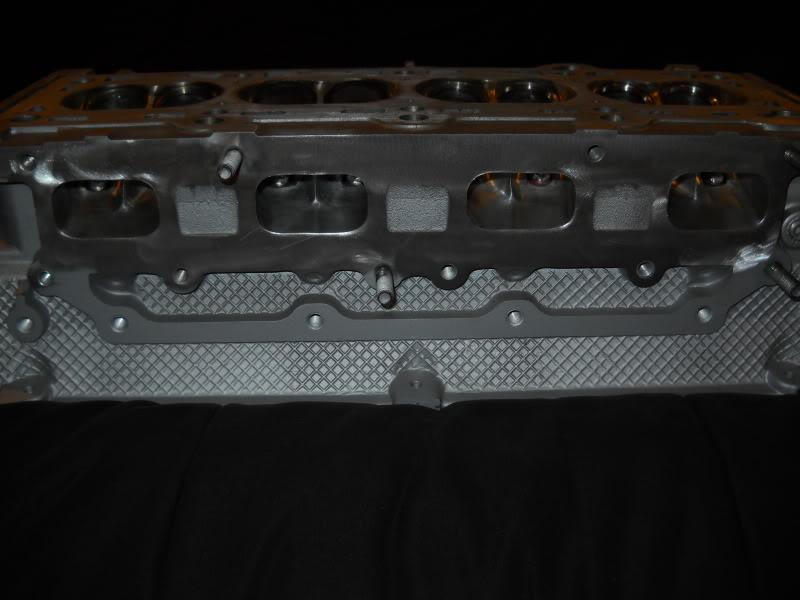 Ported & Polished SRT4 head DSCN0084
