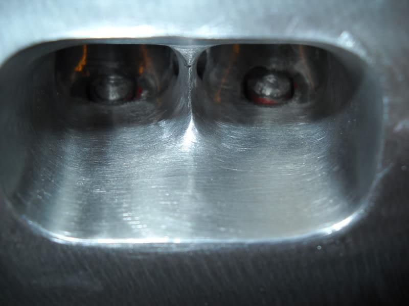 Ported & Polished SRT4 head DSCN0087