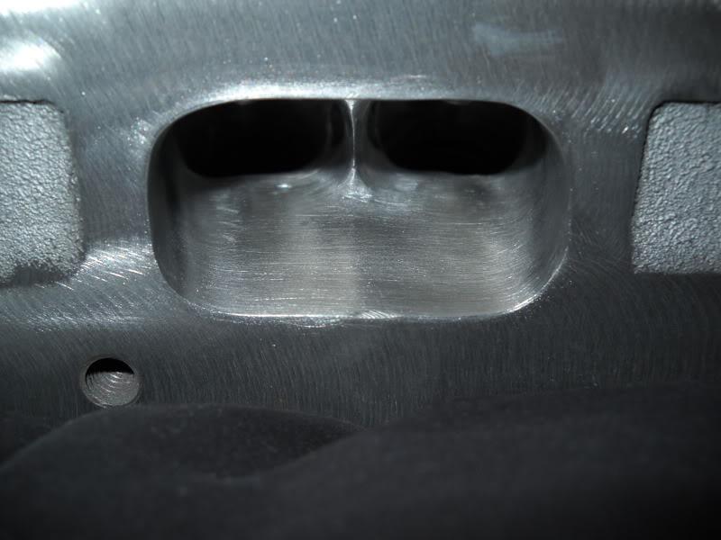 Ported & Polished SRT4 head DSCN0089