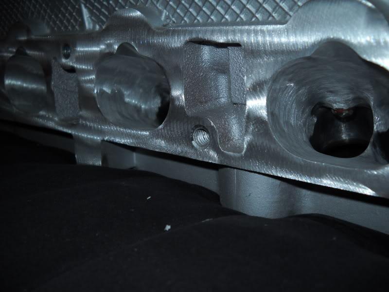 Ported & Polished SRT4 head DSCN0097