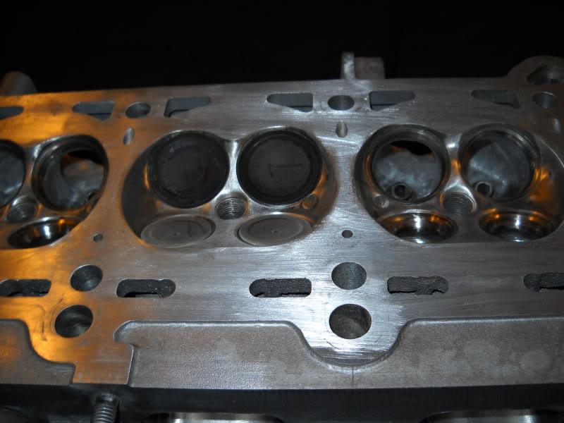 Ported & Polished SRT4 head DSCN0099