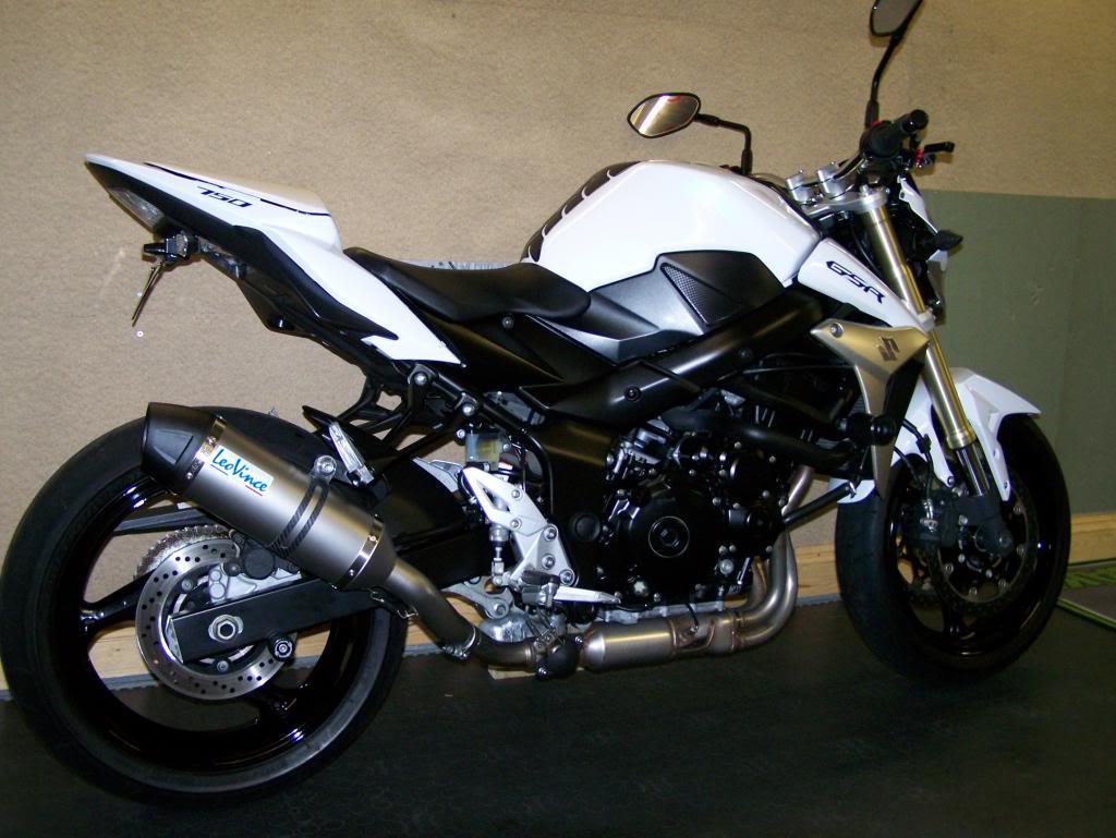 New bike - GSR750 100_1152_zps305f7f80