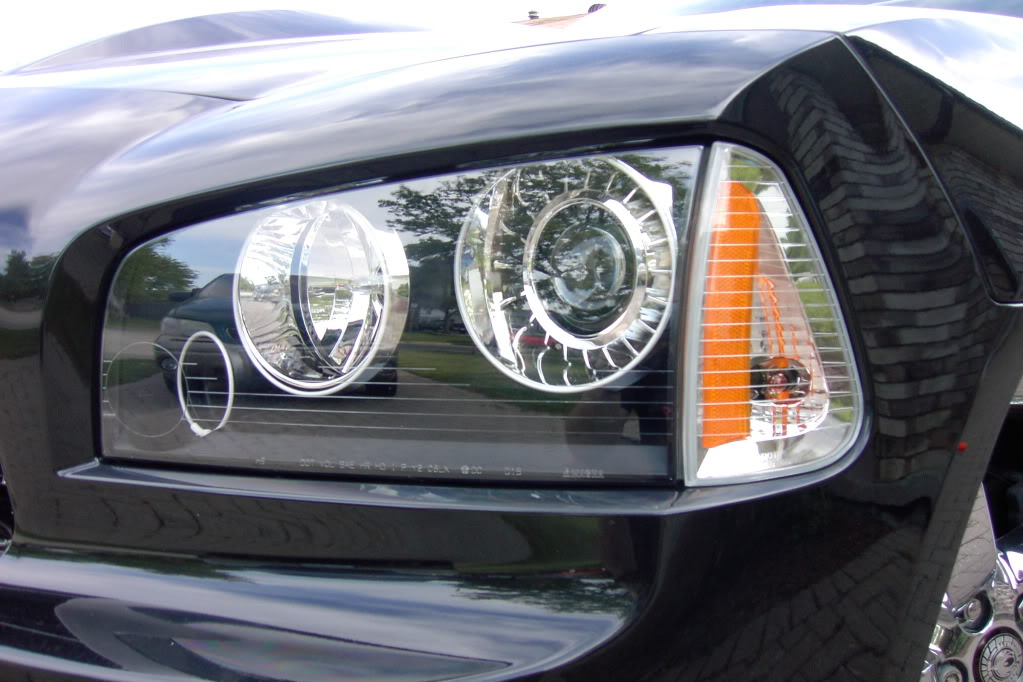 i need a pic of a charger with clear corner lights PDRM2050