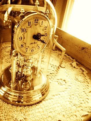 Buzón de Berwald Oxenstierna A_clock_by_leeface
