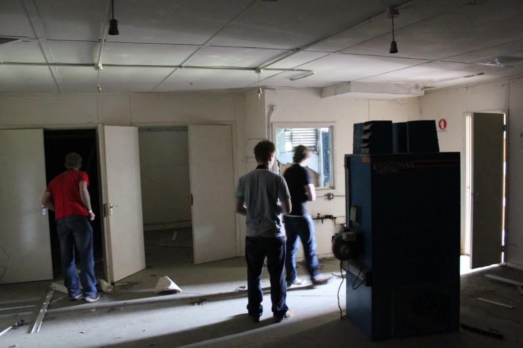 Haughton Animal Testing Labs - Asbestos and Whittle Inside.. IMG_5002