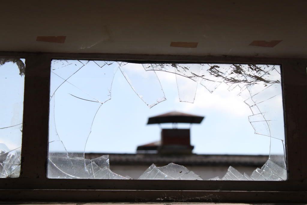 Haughton Animal Testing Labs - Asbestos and Whittle Inside.. IMG_5061